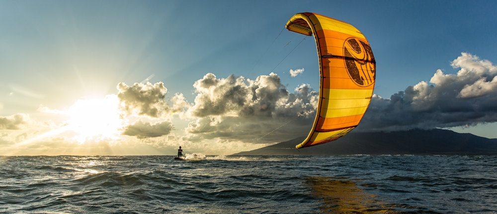 Kiteboarding & Kitesurfing